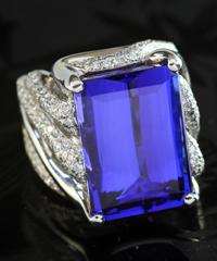 プラチナタンザナイトダイヤモンドリング